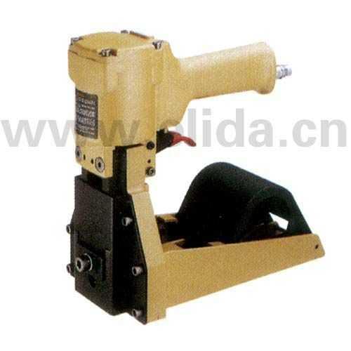 气动卷型钉箱机(台湾)热熔胶机、高周波塑料熔接机、拉伸膜缠绕机、托盘裹包机、钢带